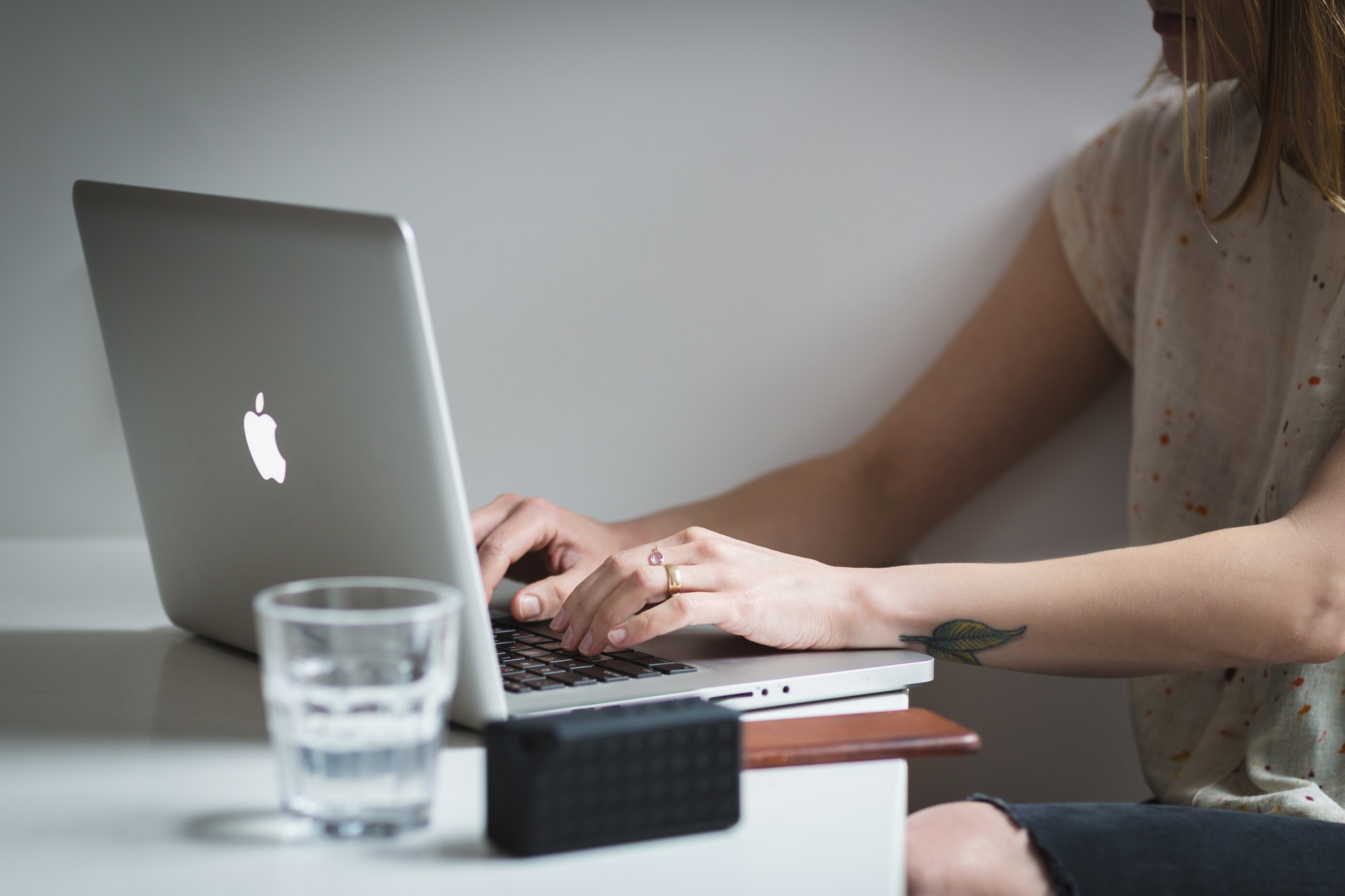 scrivendo al computer